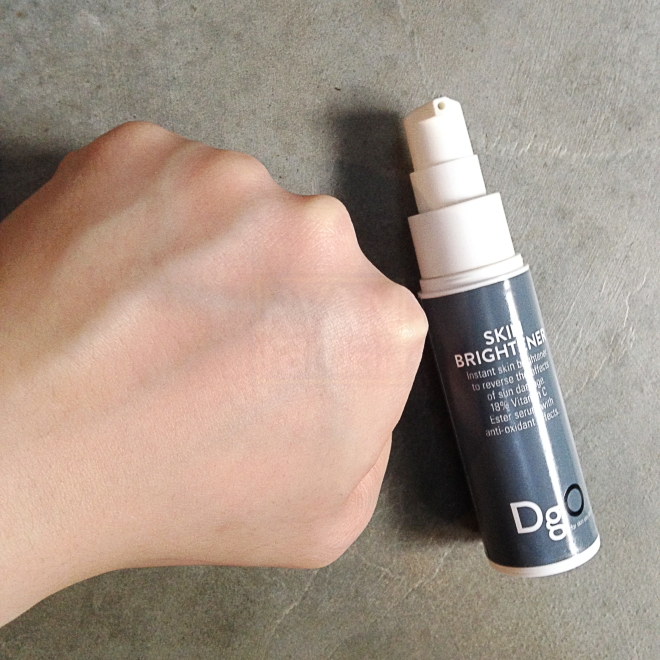 (That's how the skin looked like with the Skin Brightener layered over the Pore Refiner)