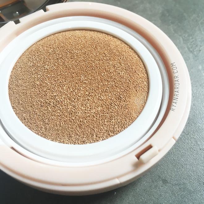 Skinfood Royal Honey Cover Bounce Cushion SPF50+ PA+++ 09
