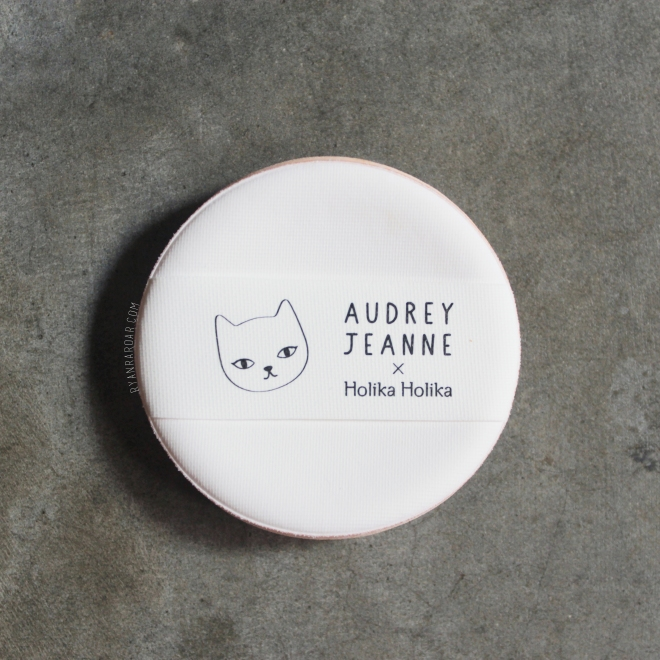 Holika Holika Face2Change Dodo Cat Glow Cushion 11.jpg